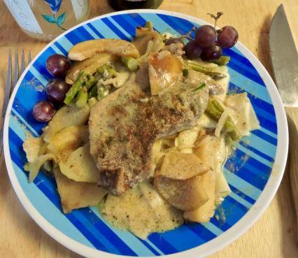 kitchen pork apples asparagus grapes - 1