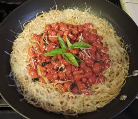 kitchen grape tomatoes peppers and herbs pasta sauce - 1